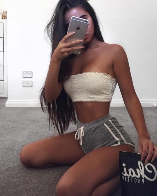 Tarsha-Whitmore-sexy-tights-6.md.jpg