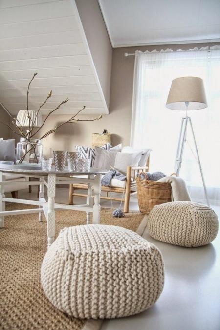 Dziergane pufybeowy dywan z jutydrewniany  zdjcie w