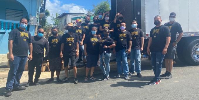 Voluntarios se unen para entregar alimentos ante la emergencia del COVID-19
