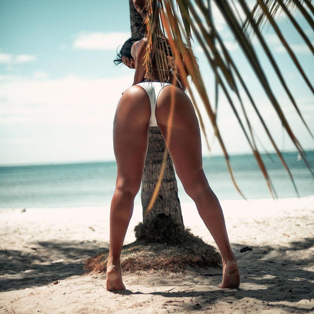Sasha-Beach-Ass.jpg