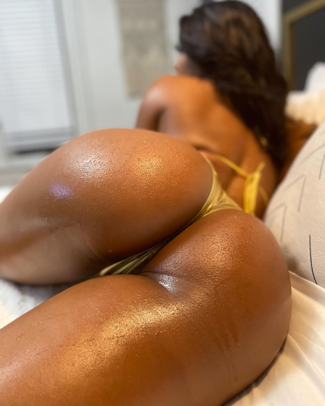 Saleema-Mansur-gold-booty.jpg