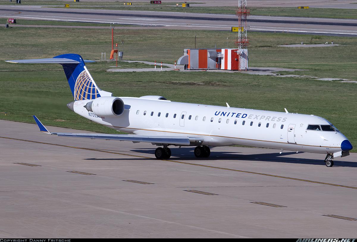 Bombardier CRJ701ER CL6002C10  United Express