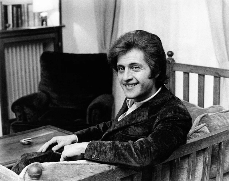 Portrait of the French singer of American origin Joe Dassin, smiling.  Paris, 1970s |  Photo: Getty Images