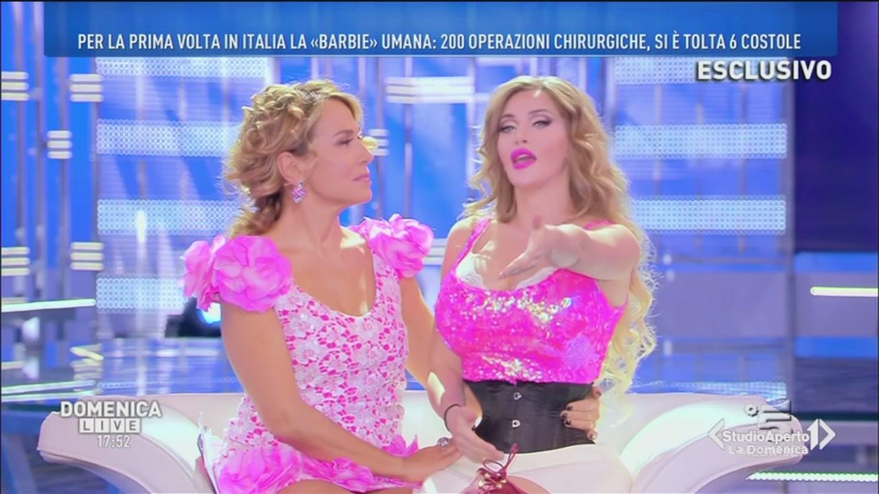 Video Studio Aperto Pixee Fox la barbie umana  SERVIZI  MEDIASET ON DEMAND