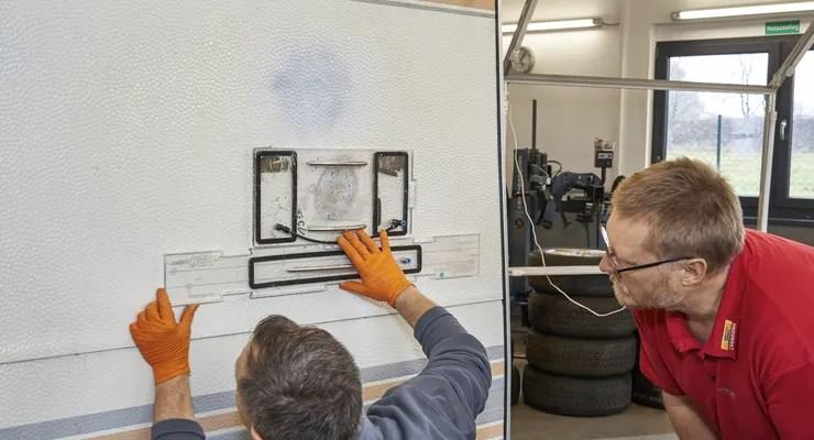 Wohnwagen Hammerschlagblech reparieren