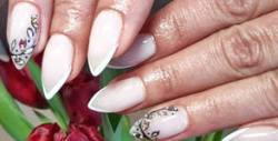 Изграждане на нокти с гел и лакиране с гел лак