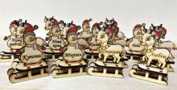 Ръчно изработени коледно-новогодишни подаръчета с дизайн по избор - еленче или снежен човек, с гравирано късметче