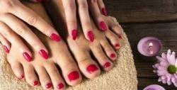 Парафинова терапия за ръце, маникюр или педикюр с гел лак, гел върху естествени нокти или ноктопластика