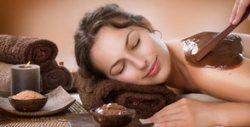 """Масаж на стъпала или пилинг масаж """"Шоколадова терапия"""" на цяло тяло и бонус - чаша чай или вода"""