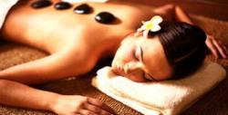 Релаксиращ масаж на цяло тяло с вулканични камъни и етерични масла