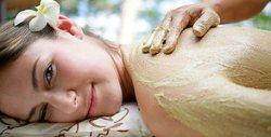 40 минути лечебен масаж на проблемни зони - с арника и черноморска луга