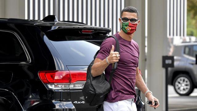 Cristiano Ronaldo tests negative for Covid-19 - Eurosport
