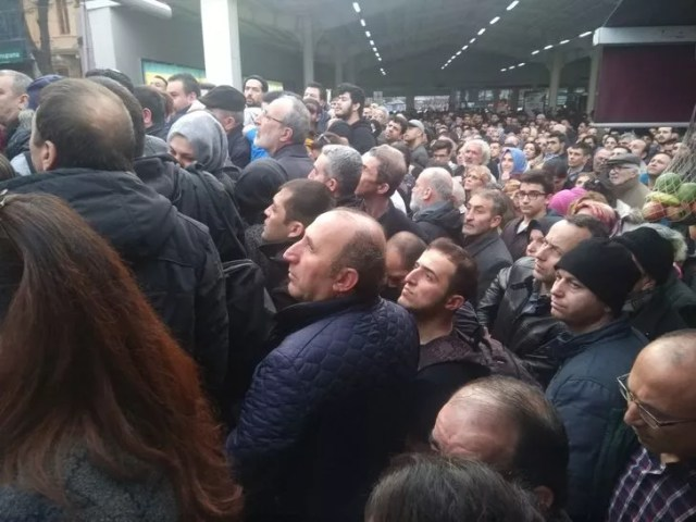 Vapur seferleri yapılamayınca Marmaray'da yoğunluk yaşanıyor (2)