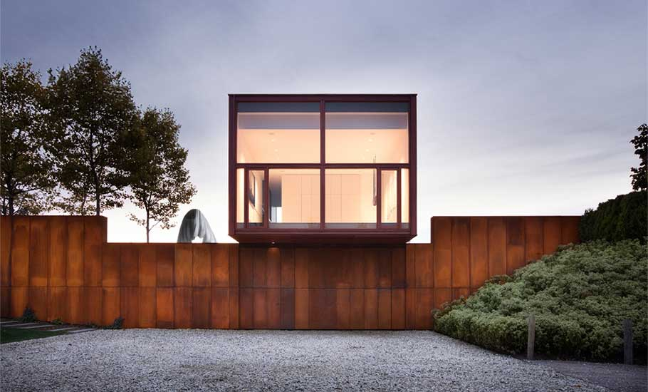 The Millbrook House Is A Striking Combo Of A Glass