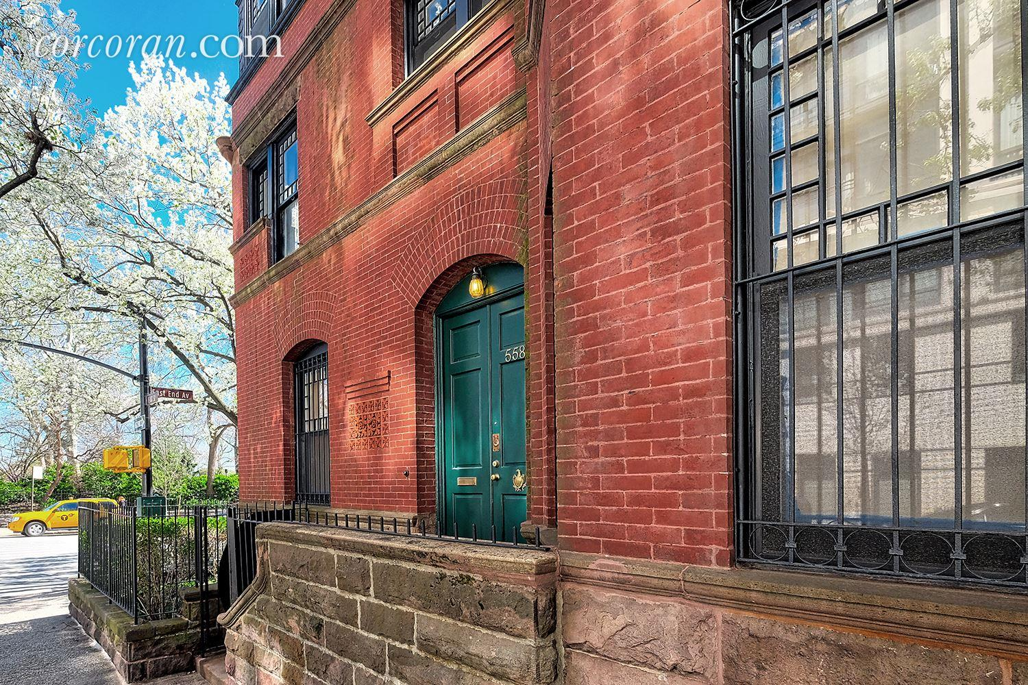 Harriet the Spys Upper East Side Townhouse Hits the