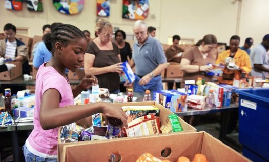 Soup Kitchen Where To Volunteer In Nyc Food Banks Shelters Kitchens