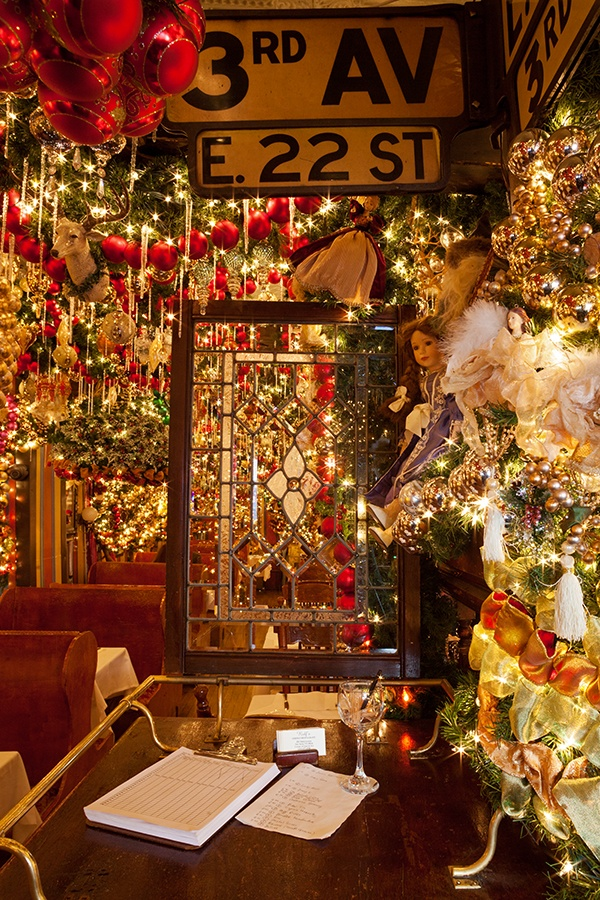 Rolfs New York Christmas Decorations