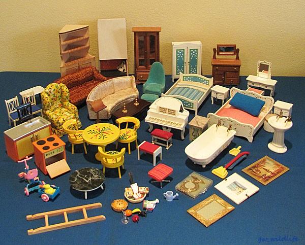 LOT Doll House Furniture Chrysnbon Reevesline Formerz