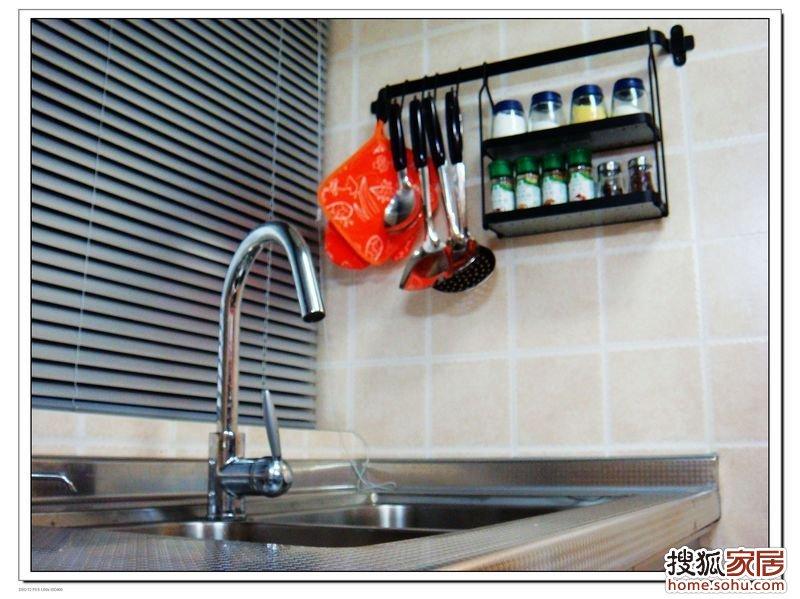 kitchen corner sinks home depot unfinished cabinets 图:现代简约——建面60平米80后蜗居,改造成2室2厅,每个角落都充分利用-东鹏-品牌房天下