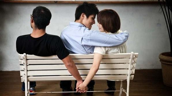 O marido trado tem direito indenizao por danos morais a ser paga pelo amante de sua ex-esposa
