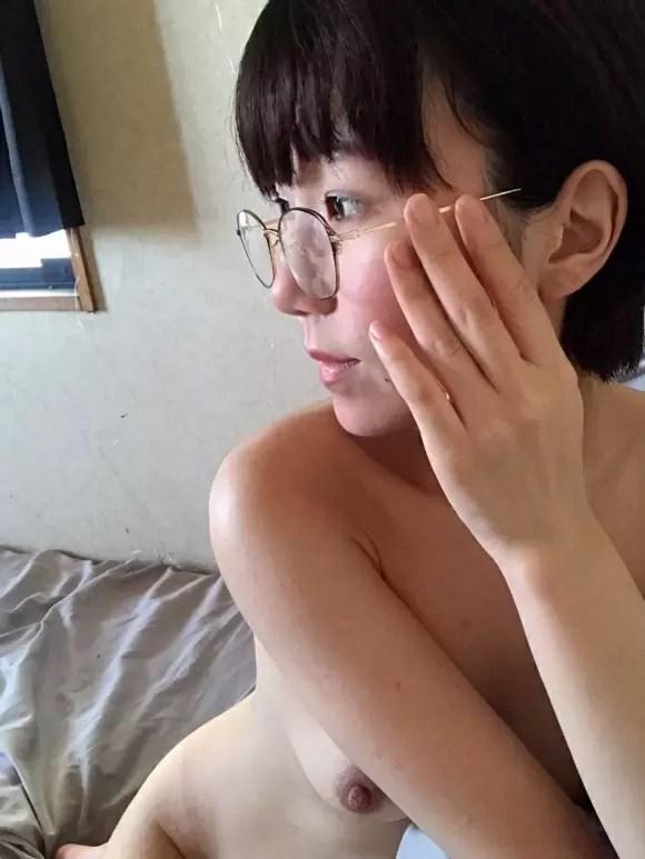 สาวแว่นขี้เงี่ยน