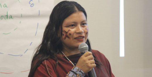 Día Internacional de la Mujer: Diana Ríos, líder asháninka de la comunidad Alto Tamaya Saweto en la región Ucayali. Foto de Lorena Flores Agüero