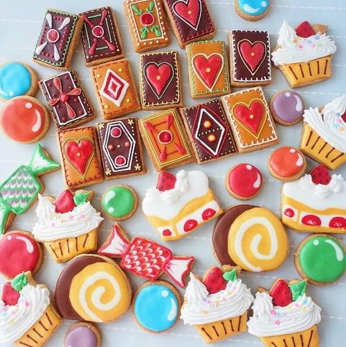 她的甜點完全就是一本童話故事書!極致夢幻的愛麗絲風糖霜餅乾   甜點繪本作家,甜點,繪本,夢幻 ...