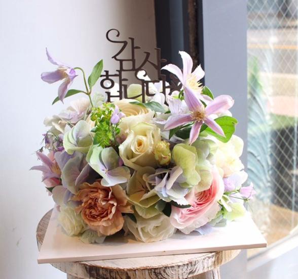 花和蛋糕夢幻合體了!一起來感受「鮮花蛋糕」稍縱即逝的美麗   鮮花蛋糕,蛋糕,鮮花,樸秀真,裴勇俊 ...
