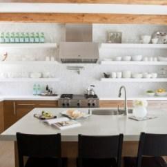 Kitchen Furniture Store Benches With Storage 小厨房该怎么改成大厨房呢 丽水人人装修网 相比家具店里的餐桌餐椅 卡座的第一大益处就是尺寸灵敏 完整能够依据你空间大小量身定做 大一点小一点 都能够依据实践需求来 款式也能够跟着主作风走 绝对百搭