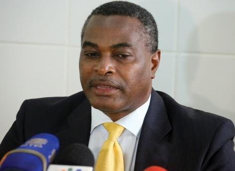 Abel Chivukuvuku evacuado ao estrangeiro