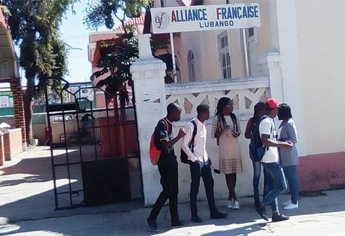 Professores e estudantes querem bolsas de estudo na França