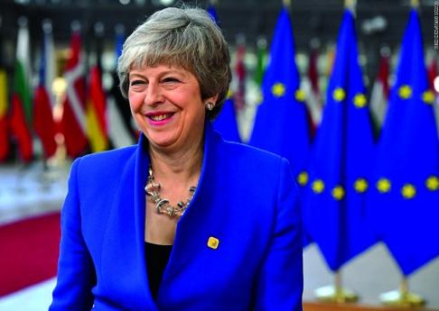 "Theresa May anuncia demissão após votação do ""Brexit"""