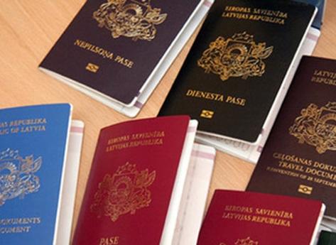 Embaixadas angolanas vão emitir a partir de Dezembro passaportes e BI