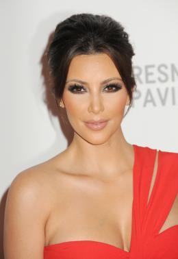https://i0.wp.com/imgs.sfgate.com/blogs/images/sfgate/dailydish/2010/10/11/Kardashian260x378.jpg