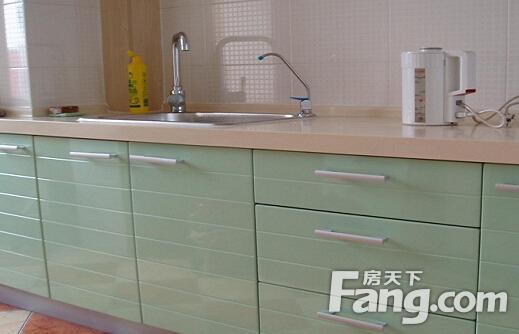 kitchen cabinets.com bay window over sink 厨房用什么颜色风水好 如何搭配厨房颜色 房天下装修知识
