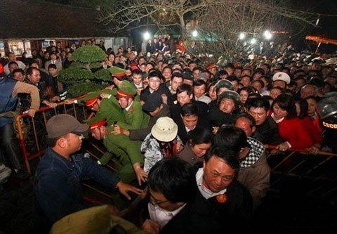 https://i0.wp.com/imgs.vietnamnet.vn/Images/2013/02/27/12/20130227125232_20130221185520_4.jpg