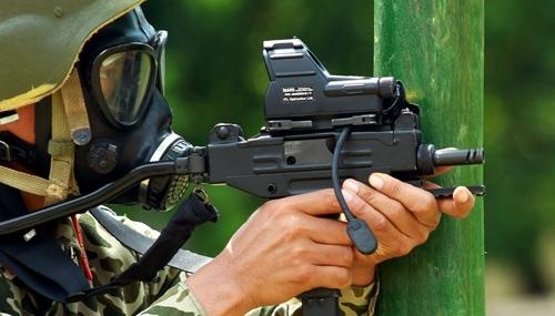 khủng bố, đặc công, tập bắn đạt thật