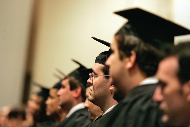 Người Việt, bằng cấp, tiến sĩ, thạc sĩ, học sinh giỏi, giáo viên dạy giỏi, quan chức