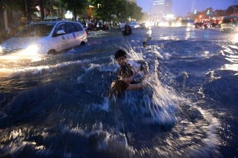 ngập lụt, kẹt xe, chở tôn, quy hoạch, giao thông đô thị