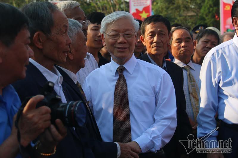 Tổng bí thư, Nguyễn Phú Trọng, dâng hương tưởng niệm, Tổng bí thư Lê Duẩn