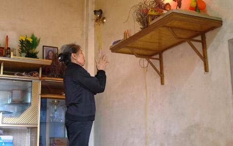 người đàn bà, 42 năm, thủy chung, di ảnh, Nghệ An