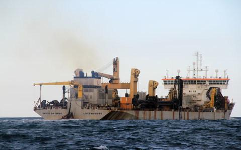 tàu lạ; biển đông