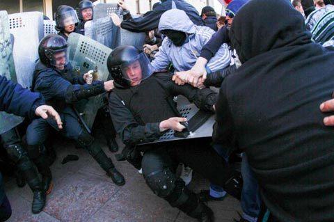 Nga, Ukraina, ly khai, bất ổn, sáp nhập, biểu tình