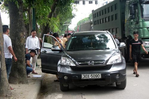 quận ủy; Cầu Giấy; đâm chết; ô tô; CRV