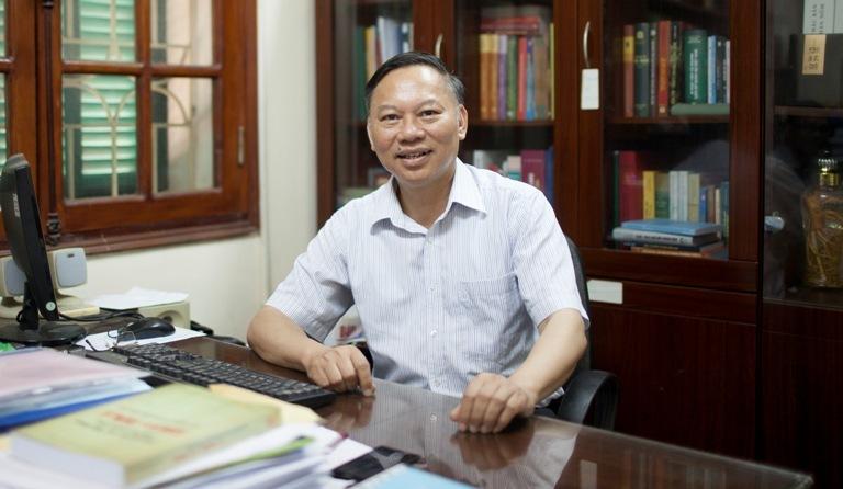 GS Nguyễn Quang Ngọc, Hoàng Sa, Trường Sa, Biển Đông, tư liệu lịch sử, Châu bản, Mạng xã hội, VietNamNet