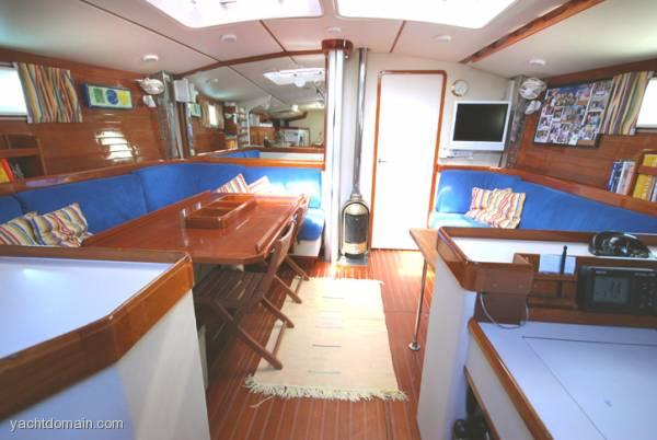Deerfoot 62 International Boat Sales