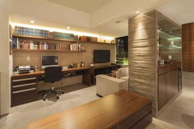 O uso de materiais nacionais também faz parte da brasilidade. Madeira, pedra e concreto fazem parte do design  (Joana França/Divulgação)