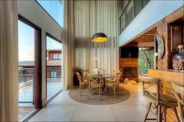 O piso combina com todos os elementos, podendo ser usado com resina fosca ou receber polimento para dar brilho e requinte (Divulgação/Preall)