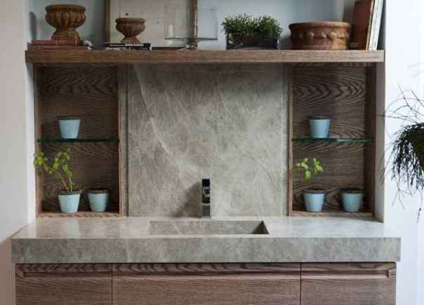Com estilo contemporâneo, as pedras valorizam ambientes com proposta que enfatiza as riquezas naturais do país (Divulgação/Ronaldo Barbosa)