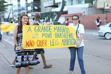 Passeata contra a legalização do aborto representantes de várias religiões. Foto: Bernardo Dantas/DP/D.A Press (Bernardo Dantas/DP/D.A Press)